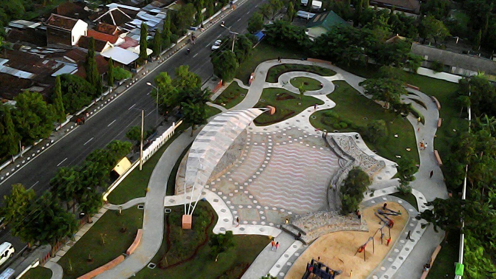 Public Area<BR>Taman Rajekwesi
